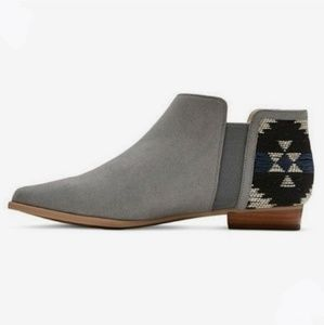 Anthropologie Plume   Gray Faux Suede Booties